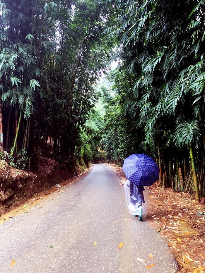 Helper in Sapa Vietnam www.taylorstracks.com