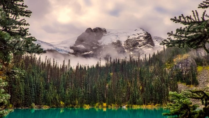 10 Most Incredible Natural Attractions in Canada