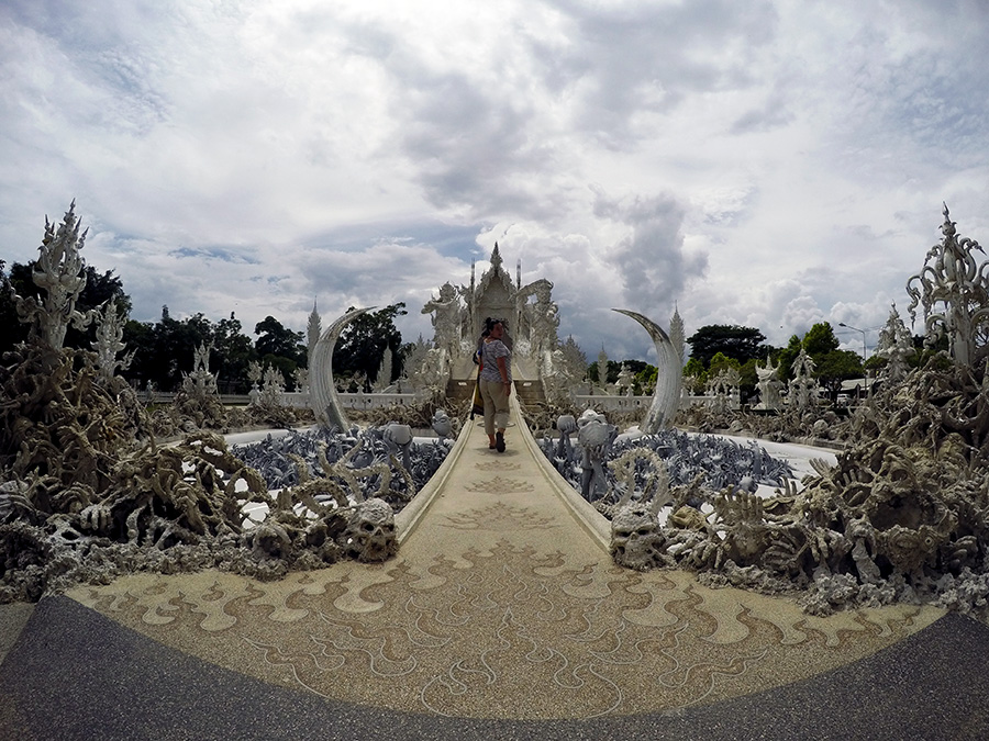 White-Temple,-Chiang-Rai-www.taylorstracks.com