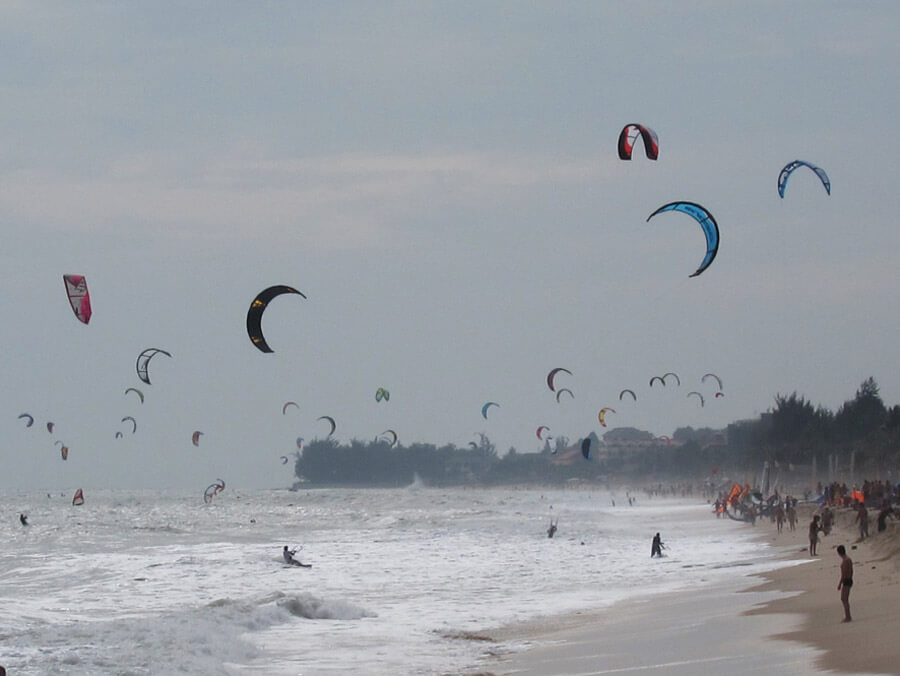 Mui-Ne-Kite-Surfing