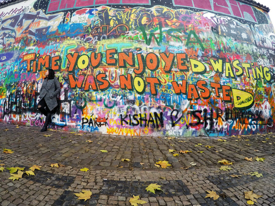 Digital nomad | Digital nomad lifestyle | Digital nomads tips | Prague | John Lennon wall