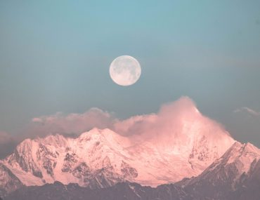 Full moon ritual | Full moon ceremony | Moon rituals | Full moon intentions | Full moon manifestation | Full moon ritual for manifestation | Full moon cleansing | Full moon release ritual | Simple full moon ritual | Full moon cleansing ritual | Setting full moon intentions