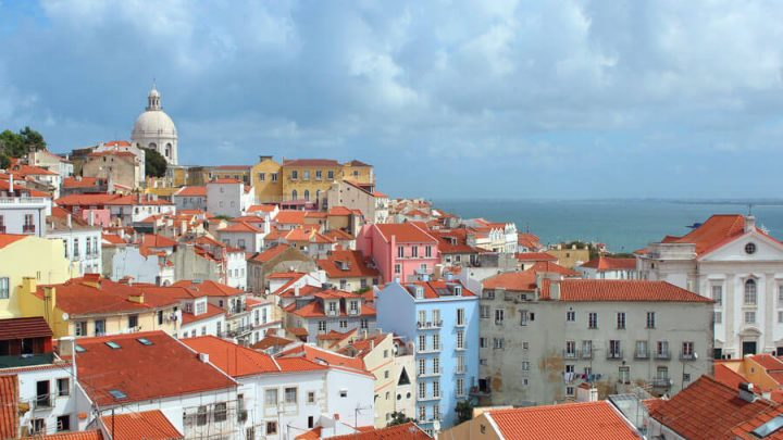 Best Time to Visit Portugal: For Beaches, Sightseeing, Weather & More