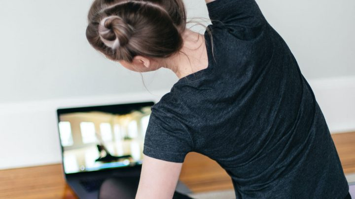 10 Best Online Yoga Retreats for an Inner Reset at Home