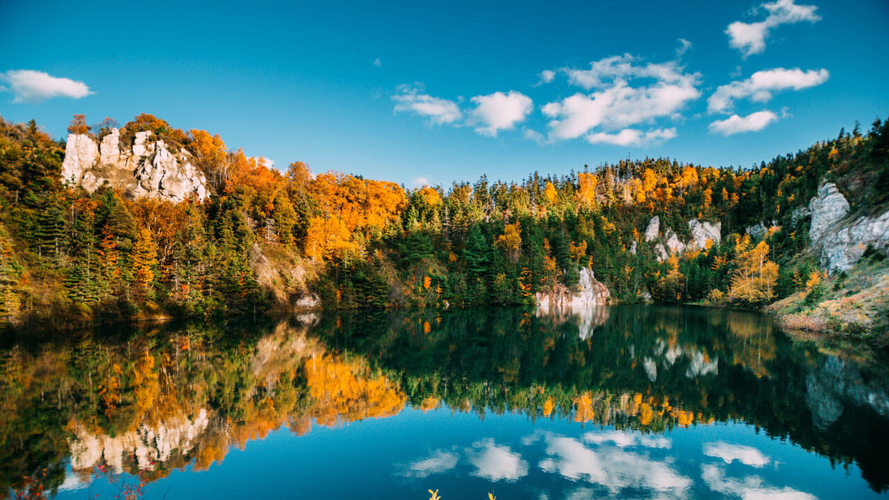 Canada in the Fall: 11 Best Places to See Fall Colours