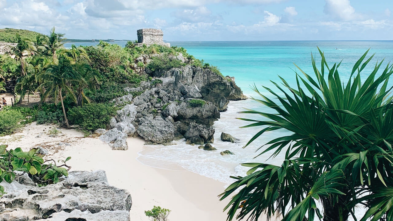 8 Best Yoga Retreats in Tulum, Mexico (For All Budgets)