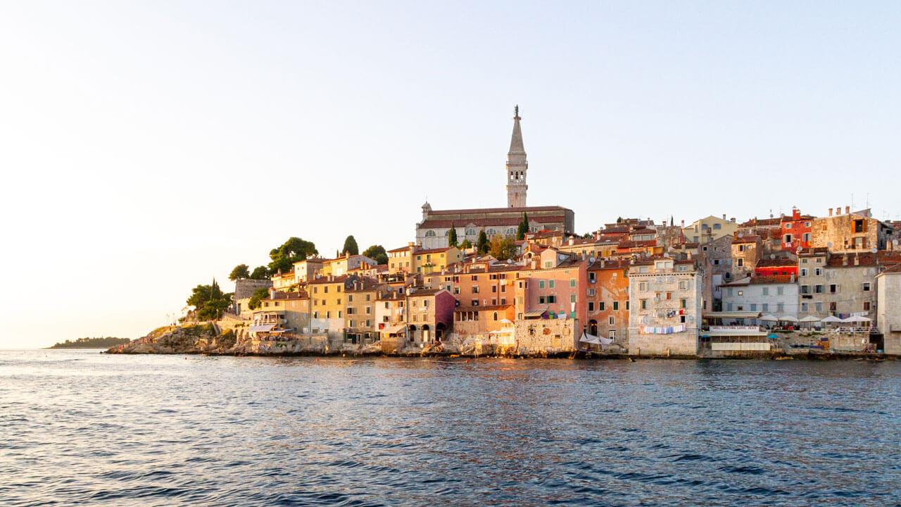 10 Dreamy Yoga Retreats in Croatia (2021 & 2022)